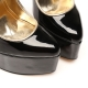 HERO black shiny pumps with gold high heel