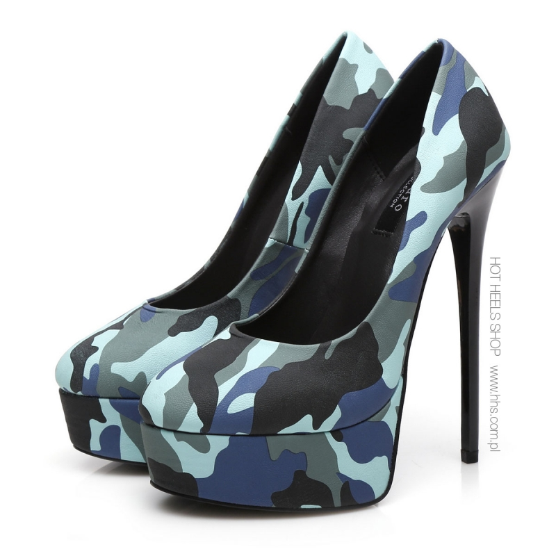 Giaro Galana military style camouflage high heel pumps