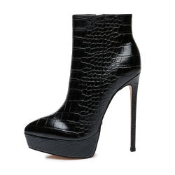 Giaro STACK black high heel booties with crocodile pattern